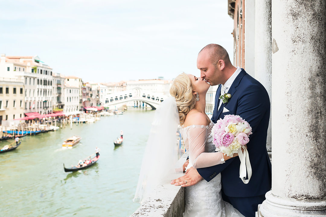 civil-wedding-in-venice-wedding-photographer-and-planner-venice