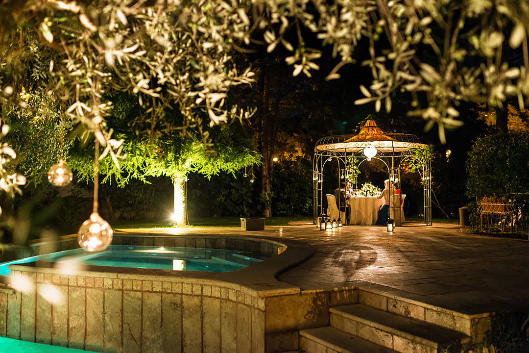 wedding dinner in gazebo umbria