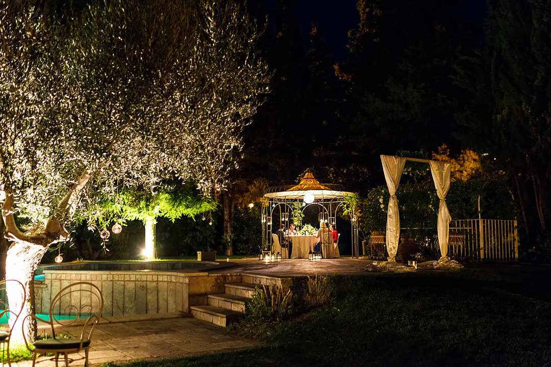 wedding dinner outside tuscany