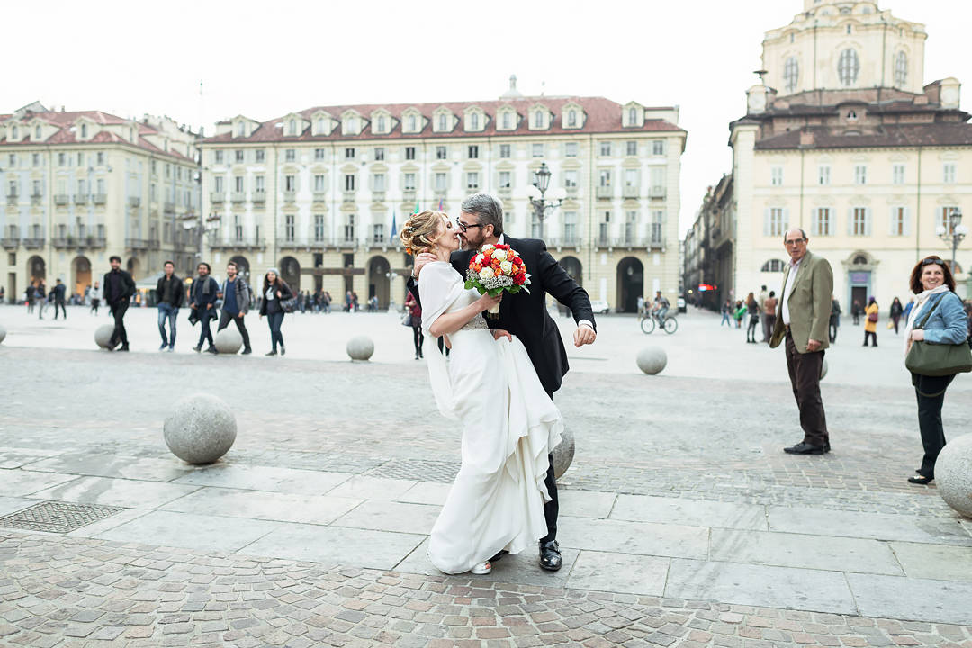wedding kiss turin