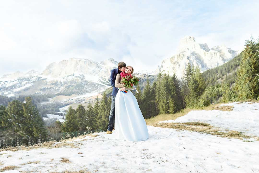 winter wedding in mountains italy